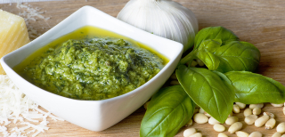 Traditional-italian-pesto